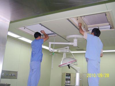 我司为荆州市中心医院手术室、ICU等层流净化初、中、亚高效过滤器更换项目顺